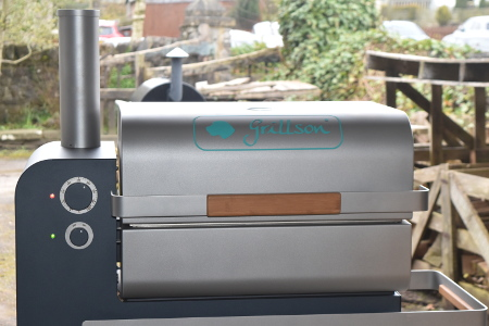 The Grillson pellet grill can reach the high temperatures needed for cooking pizza