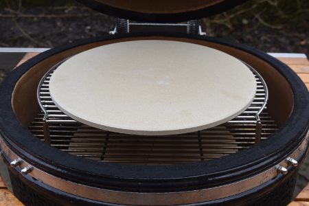 The Monolith ceramic barbecue complete with pizza stone, ready for vegan barbecue pizza!