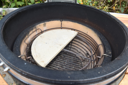 Use the heat deflctor stones to set up for roasting and baking in a Monolith